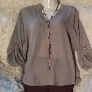 Nwot perfectly pretty blouse